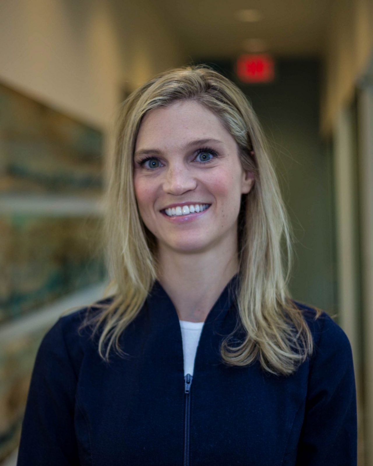 Dr. Lindsay Flumerfelt